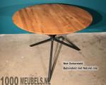 Oak table round
