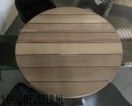 Ronde hardhouten tuintafel van iroko met stalen onderstel